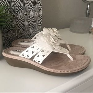 Cliffs by White Mountain Flower Comfort Sandals